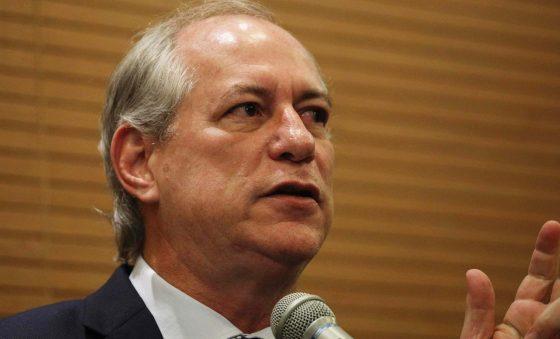Sucessão municipal em Fortaleza nos encontros de PT e PDT