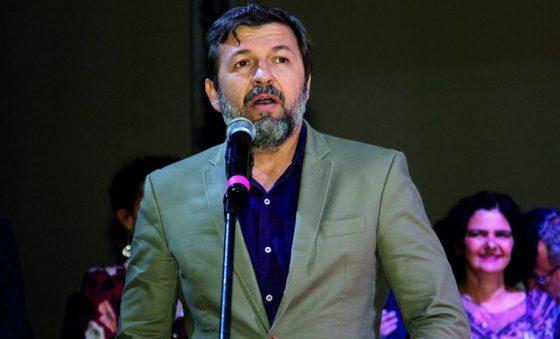 Élcio Batista filia-se ao PSB e se movimenta para a sucessão de Roberto Cláudio
