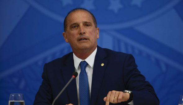 Twitter exclui postagem de ministro de Bolsonaro com vídeo de paciente recebendo nebulização de cloroquina