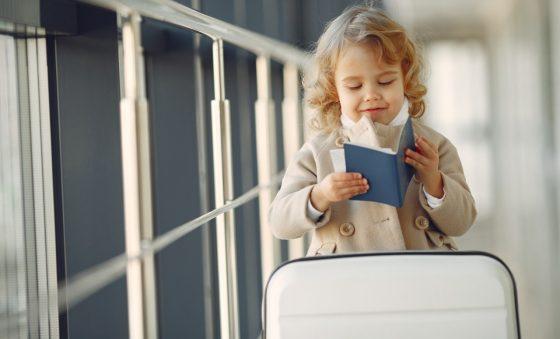Autorização eletrônica de viagem para crianças e adolescentes desacompanhados