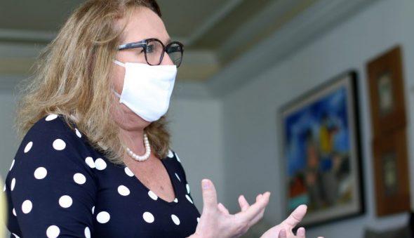"""""""O Ceará já é um case de várias questões na saúde pública"""", afirma a professora Márcia Machado"""