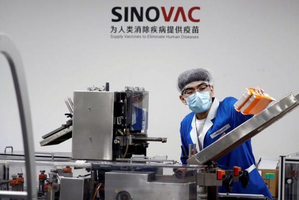Covid-19: China diz que OMS aprovou uso emergencial de vacina