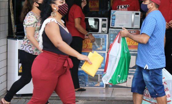 Inadimplência cai 2,53% entre agosto e setembro, aponta SPC