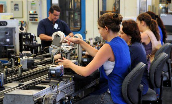 Produção industrial cearense apresenta alta de 1,3% no mês de setembro, segundo IBGE