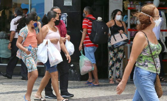 13º salário vai injetar R$ 215 bilhões na economia, diz Dieese