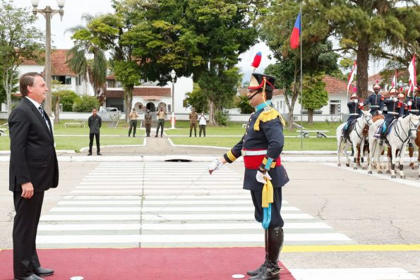 Bolsonaro participa da formatura de cadetes da Aman
