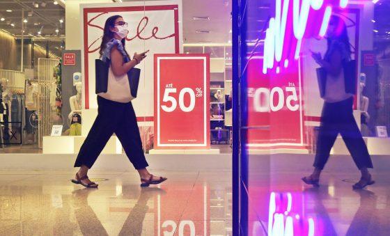 Shopping centers iniciam temporada de liquidações com diferencial na venda online