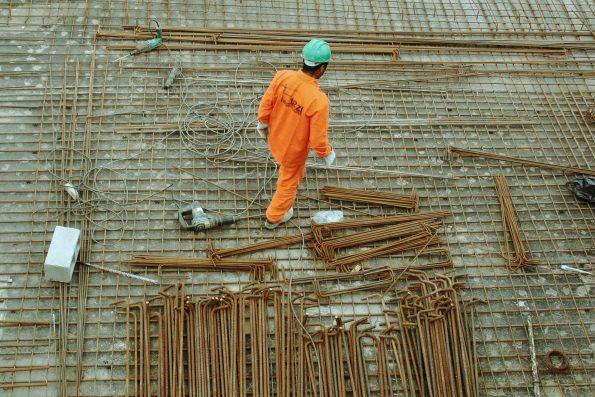Índice de Confiança da Construção Civil recua após seis altas seguidas, diz FGV