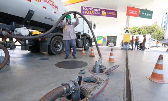 Proposta de imposto fixo sobre combustíveis reacende questão sobre a reforma tributária
