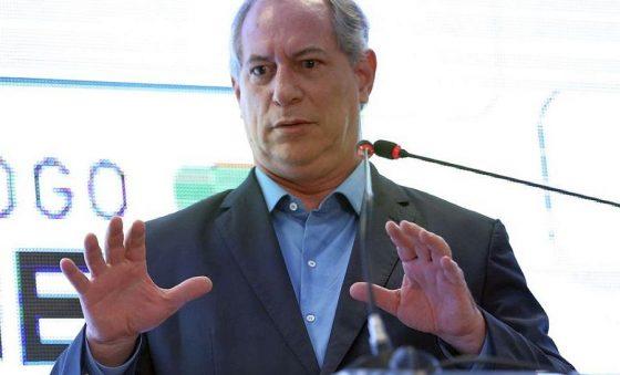 Ciro Gomes apresenta ao STF notícia-crime contra Bolsonaro e André Mendonça