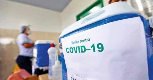 População exige solução para vacina e pressiona governos a resolverem a compra – Roberto Moreira