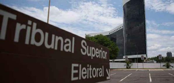 Antecipação dos registros de candidaturas. Algumas cidades cearenses ainda não têm prefeitos – Edison Silva