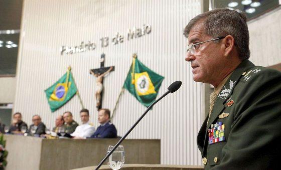 Podemos em Fortaleza está sob nova direção; general Guilherme Theophilo deixa a política
