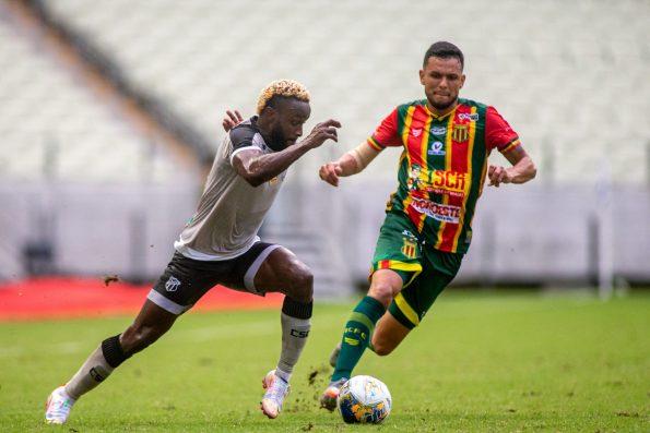 Ceará vence Sampaio Corrêa e garante vaga na semifinal da Copa do Nordeste
