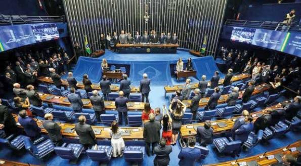 O STF deve ser acionado por deputados e senadores que não resolvem seus impasses fazendo política – Roberto Moreira