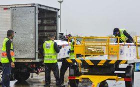 Novo lote com 41,6 mil doses da CoronaVac desembarca no Ceará na manhã desta sexta (14); veja vídeo