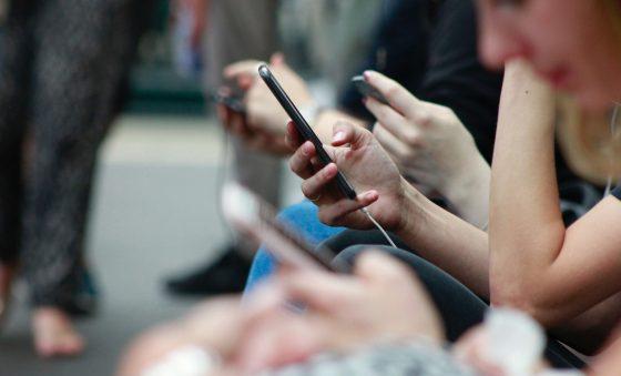 Decreto sobre retirada de posts em redes sociais abre polêmica