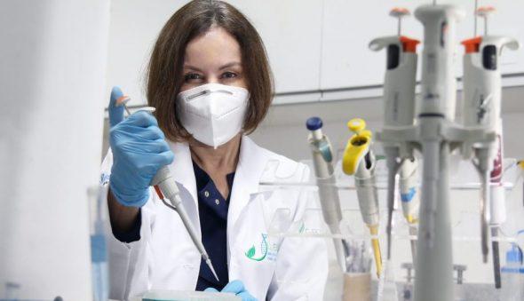 """""""[…] temos obrigação de fazer isso acontecer o mais rápido possível"""", diz coordenadora dos estudos de vacina cearense"""