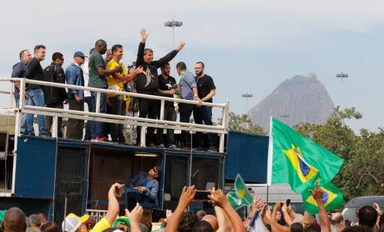 Bolsonaro antecipou a campanha eleitoral e mandou para o espaço seu governo que está sendo massacrado por pesquisas – Roberto Moreira