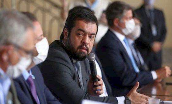 Cláudio Castro toma posse como governador do Rio após impeachment de Witzel