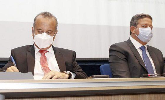 Rogério Marinho e Arthur Lira se alinham contra cortes no Orçamento