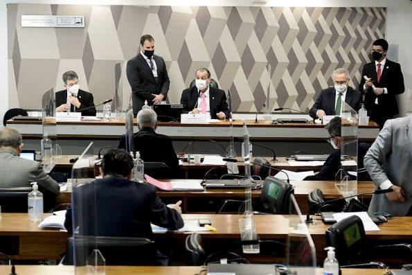 Eliziane Gama e Eduardo Girão divergem sobre participações de Heinze e Flávio Bolsonaro na nova composição da CPI