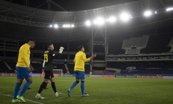 Futebol de alto nível nas finais  da Eurocopa e Copa América