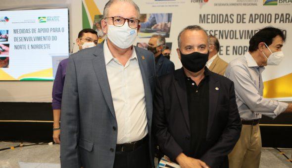 Ricardo Cavalcante e ministro Rogério Marinho assinam portaria que regulamenta renegociação de dívidas das indústrias
