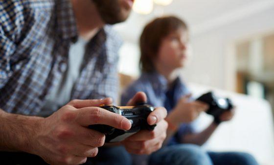 Pandemia impulsiona venda de cartões-presente de games para os pais