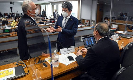 CPI chega na casa de Bolsonaro e quer jogar sua família no lixo da corrupção levando amigos do peito – Roberto Moreira