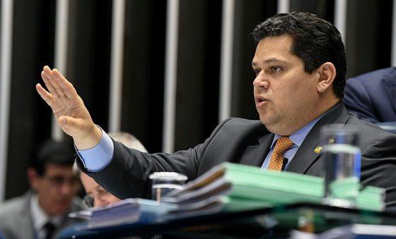 Superpoderes do presidente da Câmara e da CCJ do Senado – Edison Silva
