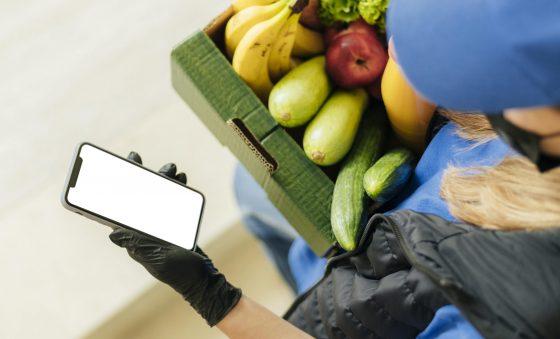 Encomendas de comida por delivery crescem 66% em 2020 na América Latina