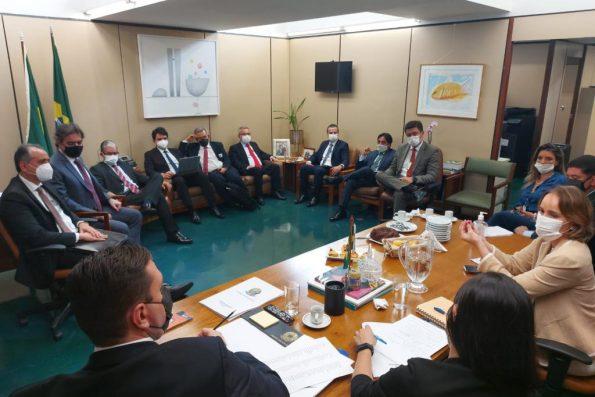Deputado Federal Eduardo Bismarck se reúne com secretários da Fazenda do Nordeste para debater PLP que trata do ICMS