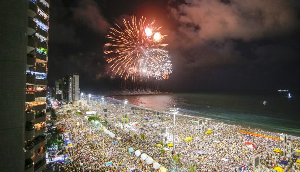 Fortaleza só terá réveillon público com comprovação de vacina, define Sarto